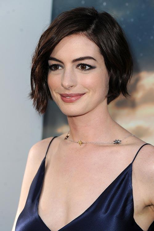 Anne Hathaway's Day-to-NightBob